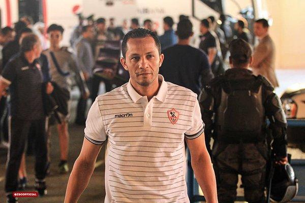 عبد الحليم علي يشرف على مران المستبعدين رغم إقالته