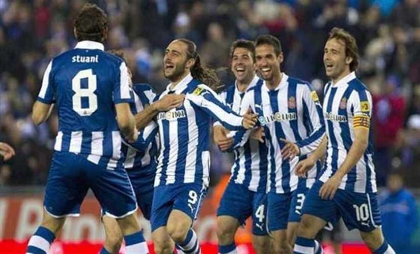 برشلونة يتعادل مع إسبانيول 1-1 في الدوري الإسباني