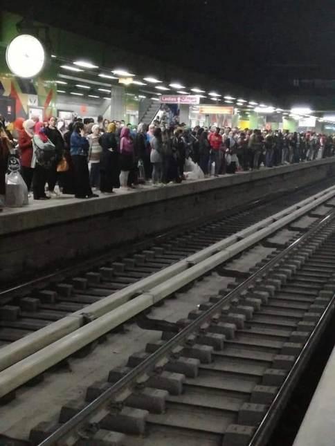 مجلس الوزراء ينفي توقف حركة المواصلات العامة يومي الجمعة والسبت